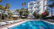 pohled na hotel-HTOP Planamar- Costa del Maresme- Španělsko