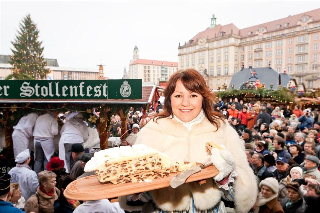 Adventní zájezdy na vánoční trhy (Německo - Drážďany / Dresden) - jeden z nejkrásnějších momentů adventu v Drážďanech - vyhlášená slavnost štól