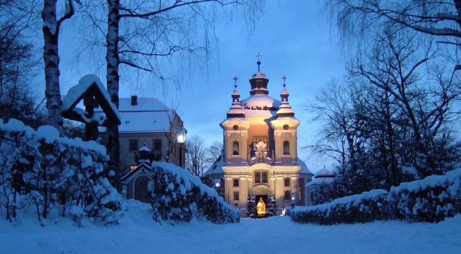 Adventní zájezdy na vánoční trhy (Rakousko - Linec a Steyr) - Pfarrkirche