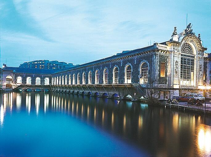 Ženevské BFM je sídlem opery a baletu na vodní hladině - Ženeva - Švýcarsko