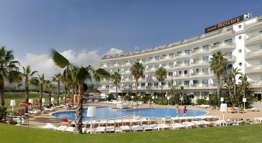 hotel Mercury - celkový pohled - (Španělsko - Costa Maresme - Santa Susanna)
