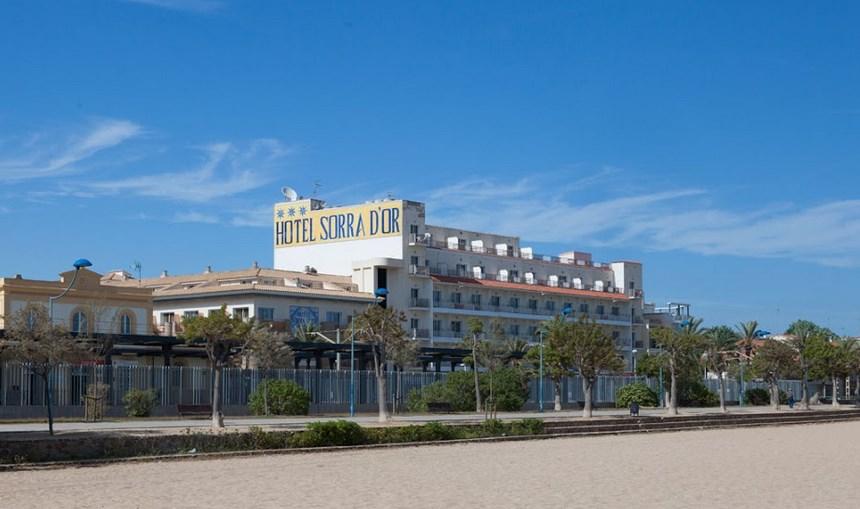 hotel leží přímo u písčité pláže - hotel Sorrador - Malgrat de Mar - Španělsko
