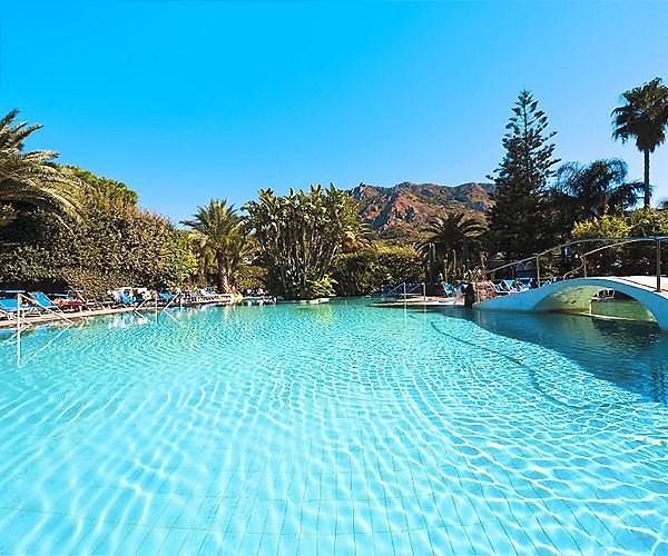 venkovní termální bazén - hotel Terme Park Mediterraneo - termální ostrov Ischia - Itálie