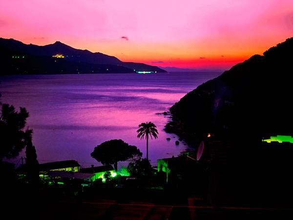 okouzlující atmosféra - večerní Elba - Itálie