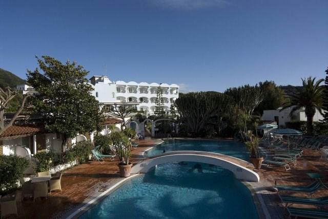 pohled na hotel Terme Villa Teresa- termální ostrov Ischia - Itálie